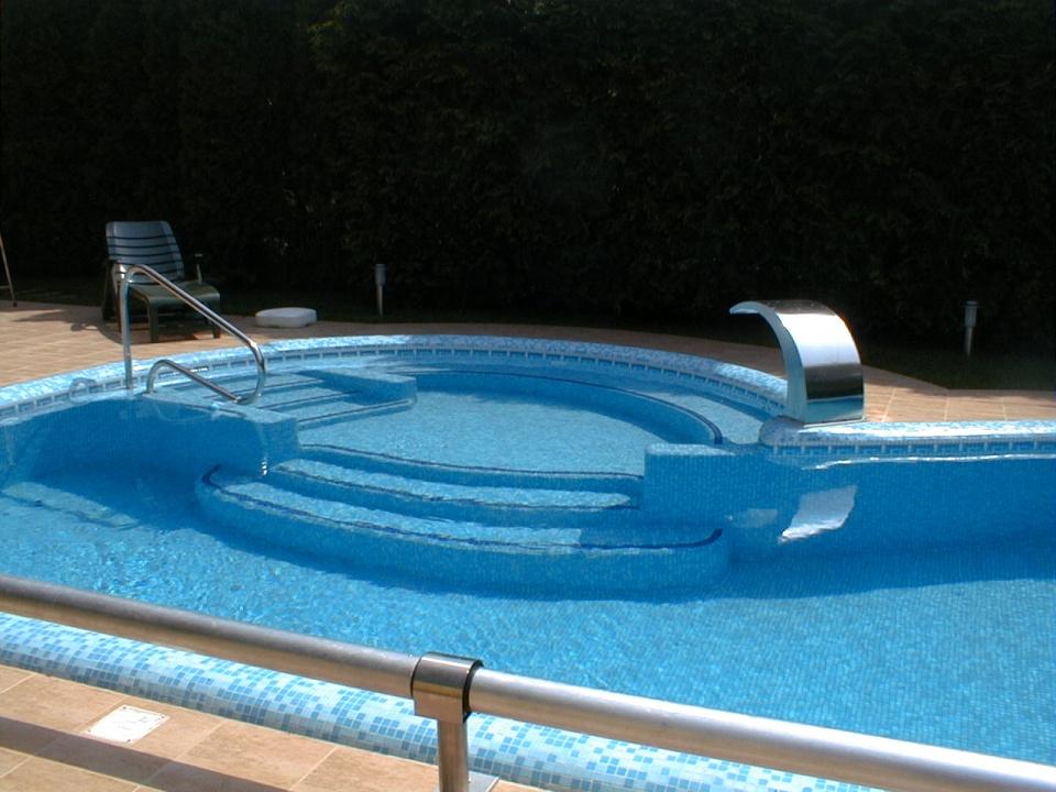 Aqualine Kreatív Fürdőtechnika